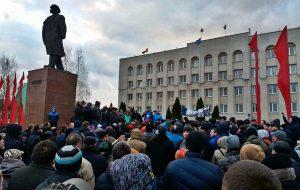Смотрите, как два года назад гродненцы вышли на акцию протеста против декрета№3