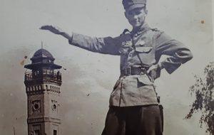 Снимок на фоне каланчи в 1944: монтаж или оригинальная задумка фотографа?