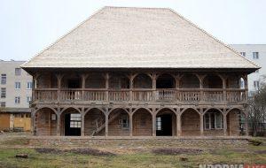 Для экскурсий открыли лямус в Гродно - самое старое деревянное здание Беларуси