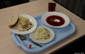 В Гродно осудили директора комбината школьного питания. Она брала взятки, чтобы не проверять школы