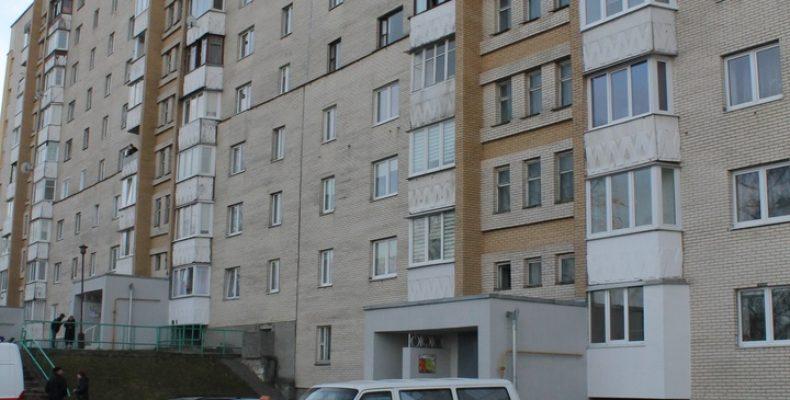 В Гродно мужчина выпал с 4 этажа и разбился насмерть
