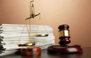 Суд вынес приговор «черным риелторам» из Ошмян, которые завладели пятью чужими квартирами