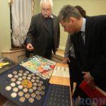 Коллекционеры Гродно снова переезжают: теперь в бывший Дом офицеров