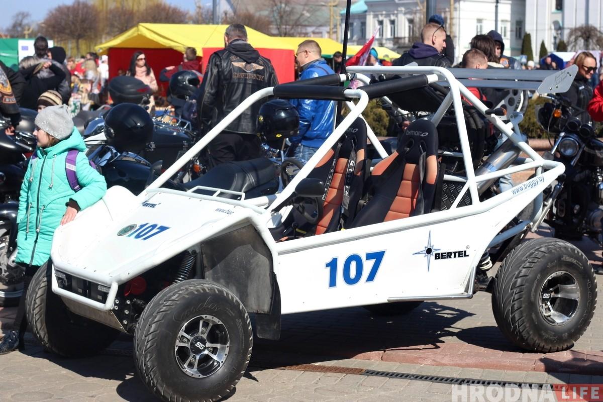 Снова рёв мотора: в Гродно байкеры открыли мотосезон
