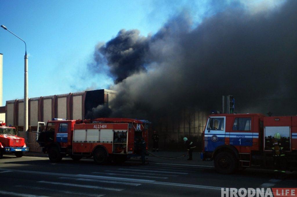 Фотофакт: В Гродно на Буденого горел склад почты
