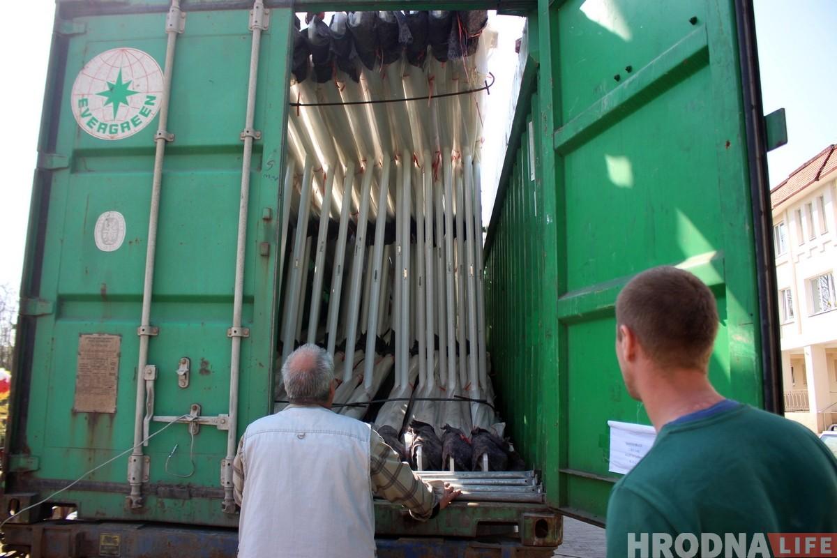 У Гродна прывезлі кола агляду вышынёй 42 метры