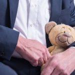 41-летнего белоруса задержали за изнасилование дочерей. Мать девочек помогала снимать порноролики