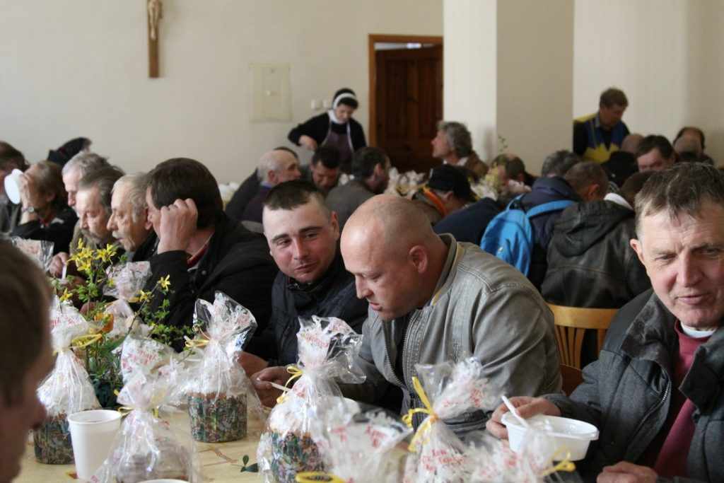 Велікодны абед для бедных арганізавалі ў Гродне