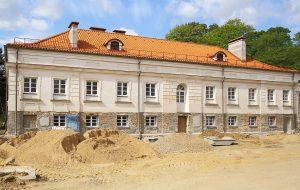 Реконструкция дворца в Святске: обнаружили исторические росписи стен