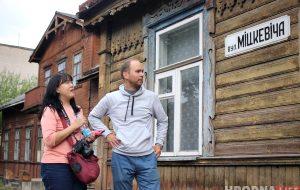 «Во всей Европе сохраняют такие дома». Туристка из Сингапура о сносе старых построек в Новом Свете