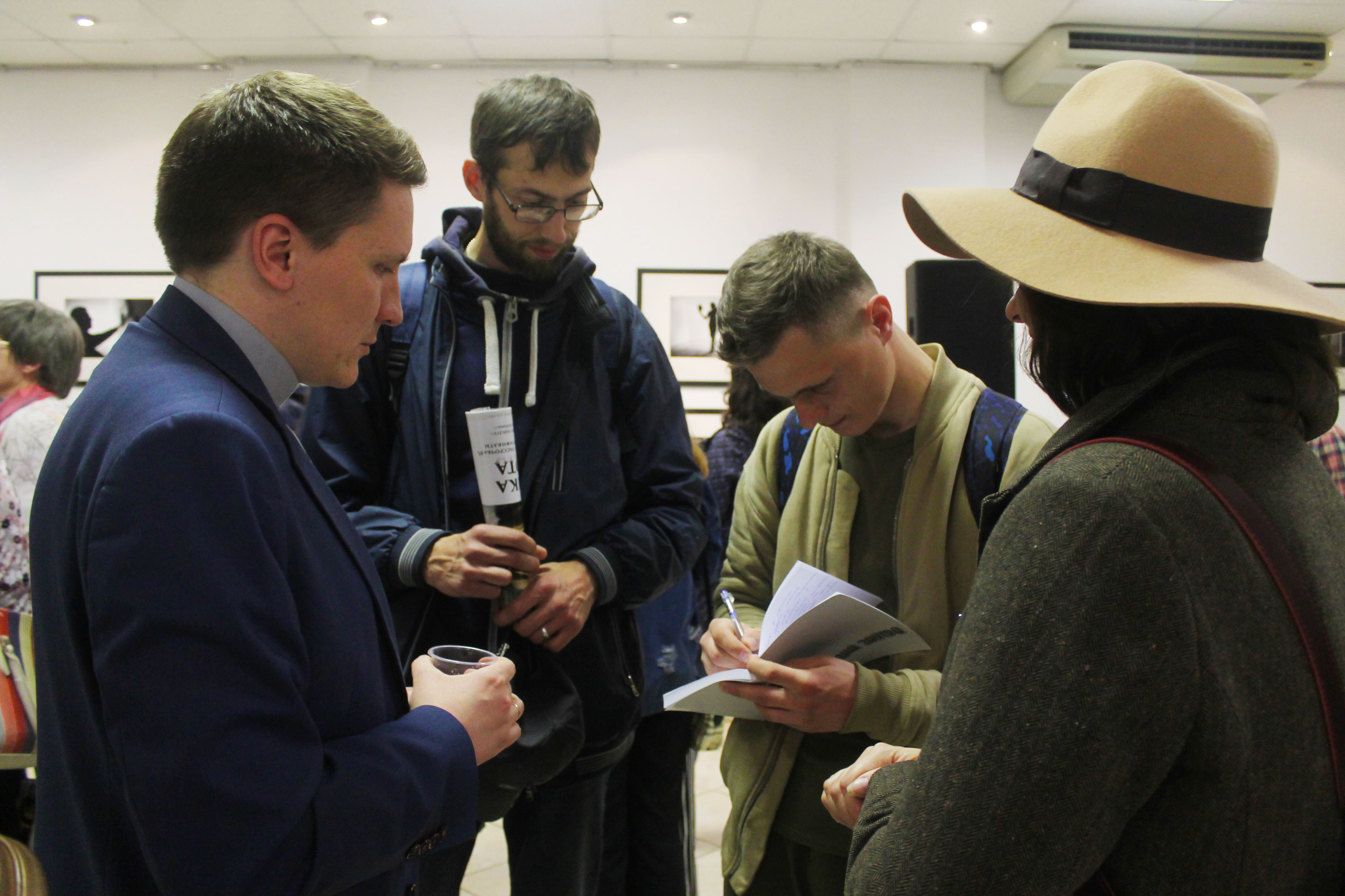 У Гродне адкрылі выставу «Код горада». Там ёсць і Руслан Кулевіч