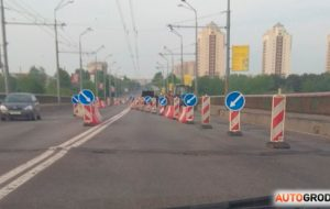 Фотофакт: на Новом мосту по улице Поповича - серьезный ремонт асфальта
