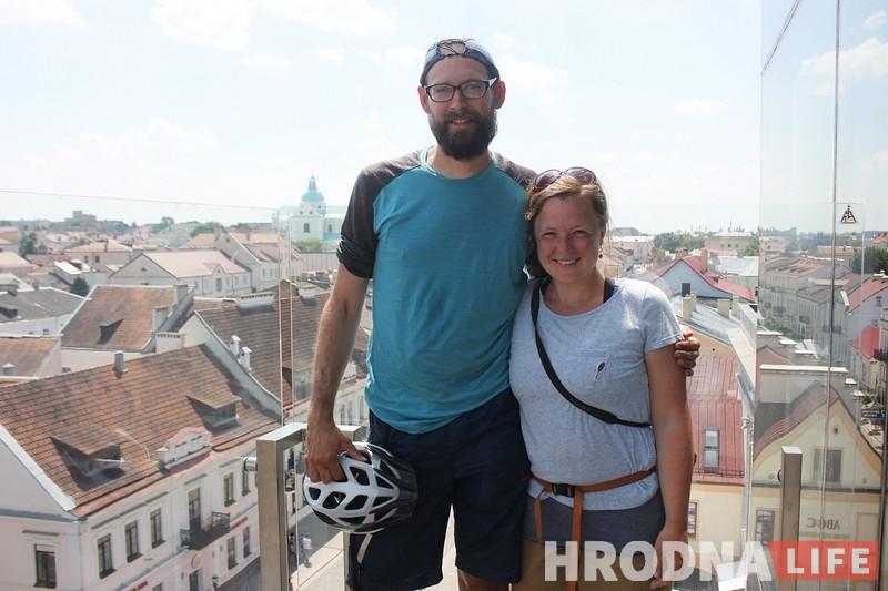 Велотуристы катались по Европе и случайно узнали про безвизовую Беларусь и Европейские игры