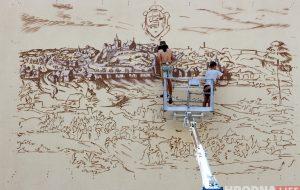 Фасад гимназии №10 украсит большая копия гравюры Цюндта