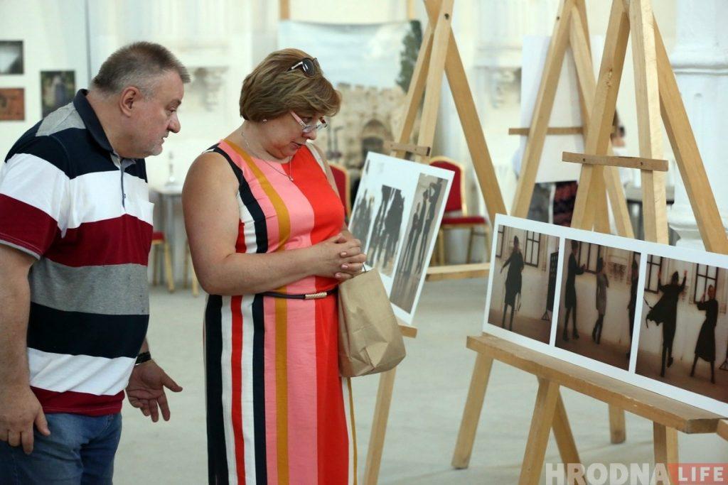 «Охватил лишь малую часть». Гродненский фотограф представил в синагоге выставку про еврейское наследие Беларуси