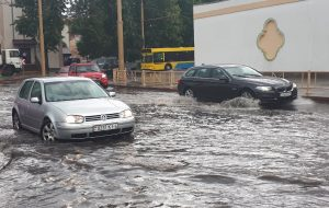 ФОТО: Первый летний ливень затопил улицы Гродно