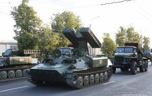 На репетиции парада по Гродно проехала гусеничная военная техника