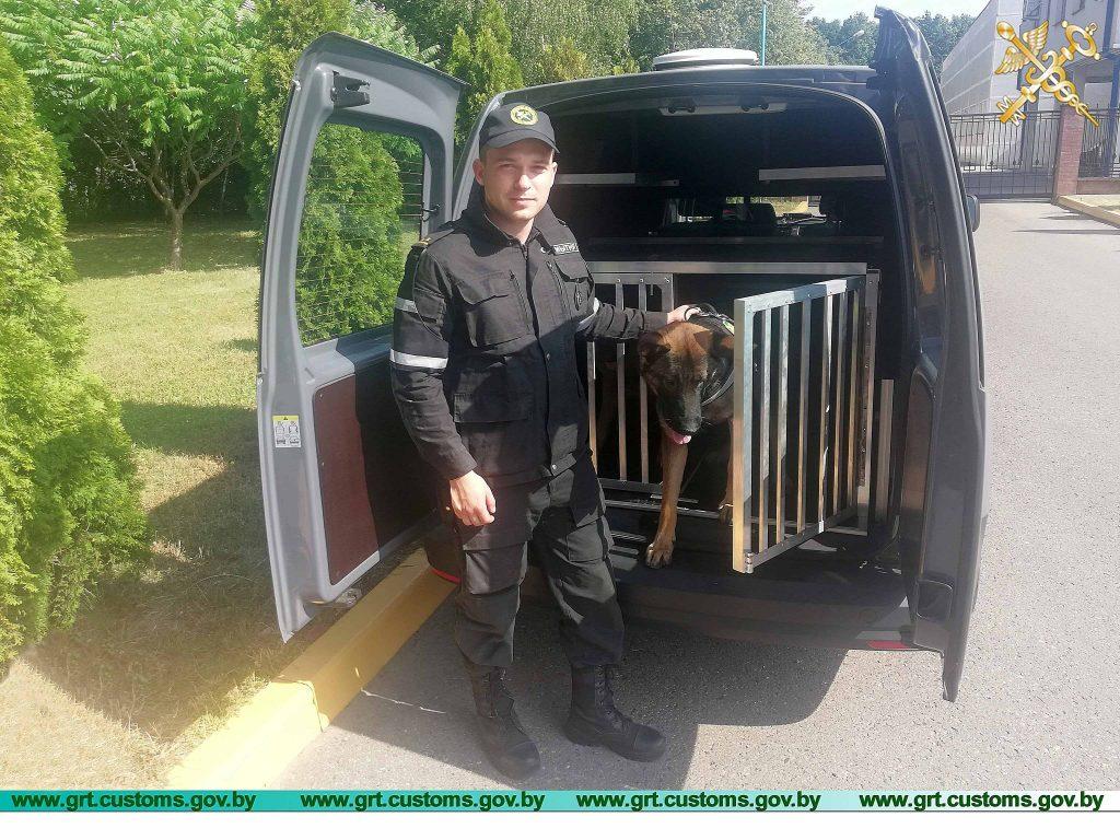 Для гродненских собак за деньги ЕС купили автомобиль с кондиционером