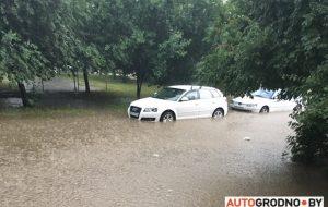 Ливень в Гродно: затопило кольцо на Суворова, Клецкова, Соломовой