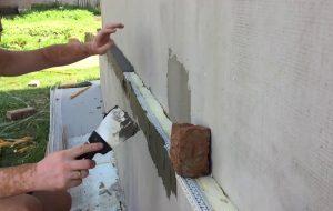 У Слоніме кіраўнік выкарыстаў работнікаў прадпрыемства на будоўлі свайго дома