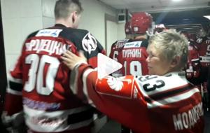"""Напутствие от преданного болельщика: смотрите, какая традиция есть у хоккейного """"Немана"""""""