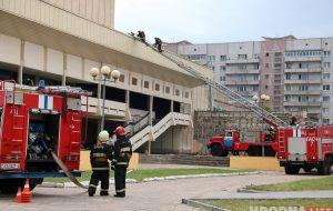 """Кинотеатр """"Октябрь"""" не горит: у гродненских спасателей проходят внезапные учения"""
