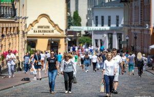 Почти идеальная Беларусь: в Гродно бизнесмены пытаются зарабатывать на безвизовых туристах, городские власти им не мешают
