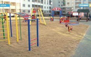 В Гродно проверяют игровые площадки: мест для отдыха не хватает, необходим ремонт