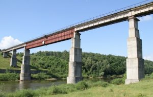 Для реконструкции бывшего железнодорожного моста через Нёман снесут дачи. Компенсацию получат не все