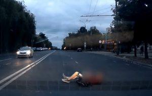 В Гродно пенсионер сбил студента на пешеходном переходе