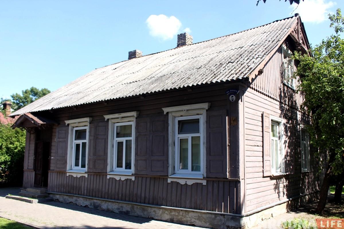 Аукцион по продаже земли со старыми домами на Волковича не состоялся. Историки заступились за историческую деревянную застройку
