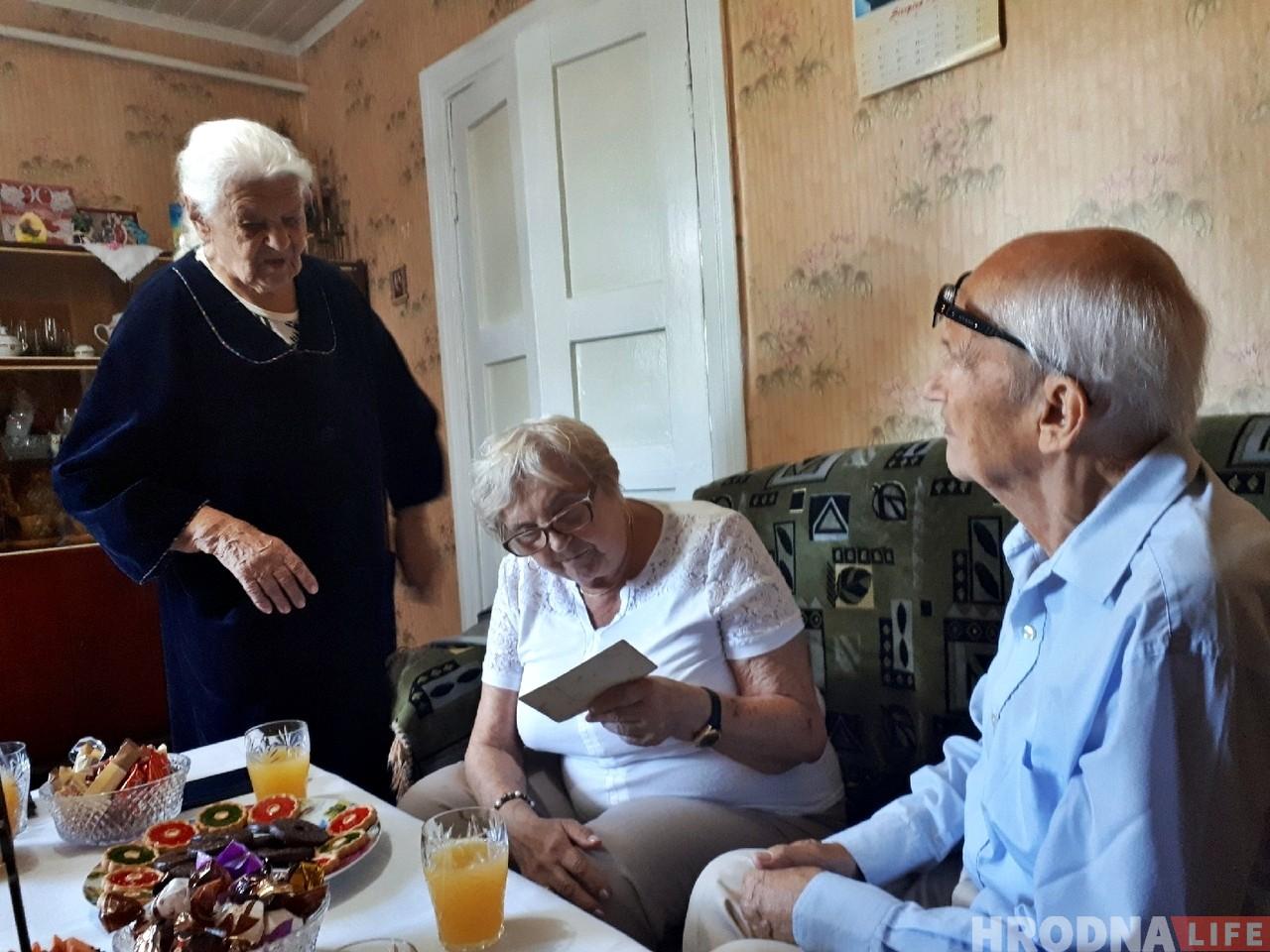 «Такія сустрэчы падаўжаюць жыццё». 90-гадовы гродзенец прыехаў з польскага Эльблонга на сустрэчу з гараджанамі