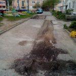 В Гродно вырезали асфальт для ремонта, но ямы не заделали