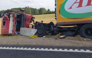 На М6 в Лидском районе очередная трагедия: водителя фуры выбросило из кабины, он погиб на месте (обновлено)