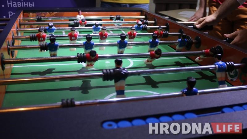 У турніры Hrodna.life па настольным футболе перамаглі айцішнікі