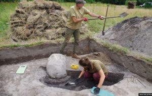 Дзякуючы кратам у Белавескай пушчы знайшлі сьляды пасяленьня, якому больш за 2000 гадоў