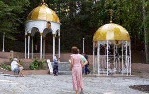 Фотофакт. В Жировичах после реконструкции открыли святой источник