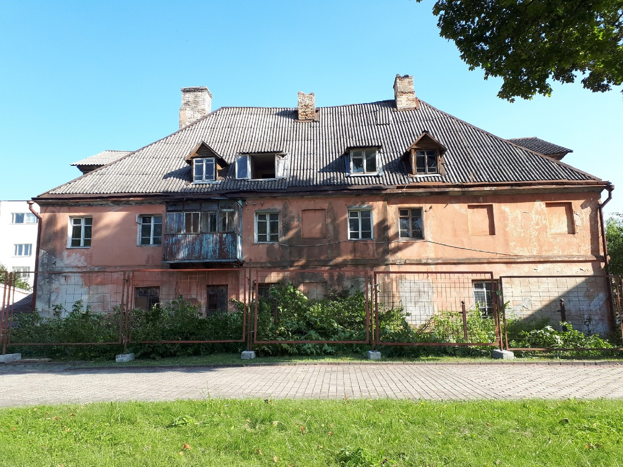 На плошчы Тызенгаўза аднаўляюць будынак XVIII стагоддзя пад Музей лесу