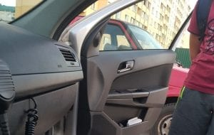 13-летний водитель решил покатать друзей на машине родителей. Смотрите, что у него получилось