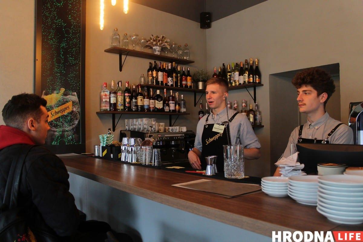"""Карпаччо из морского гребешка и розмариновый шот. В Гродно открылся рестобар """"Rozmarin"""""""