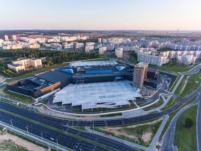 В Гродно откроют самый большой в стране фудкорт. Он будет выглядеть как средневековый город