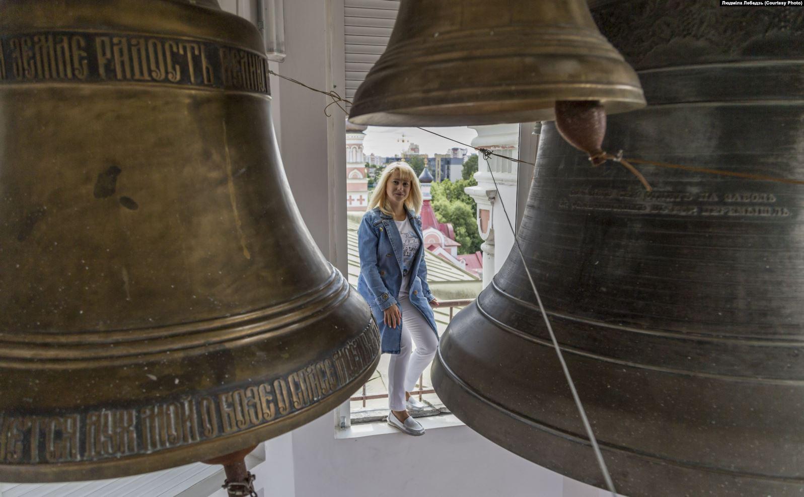 Звонарь, ультрамарафонка, медовая сомелье: в Гродно открылась выставка о женщинах, которые разрушают стереотипы