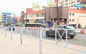 В Гродно меняют ограждения вдоль дорог на оцинкованные, чтобы больше их не красить