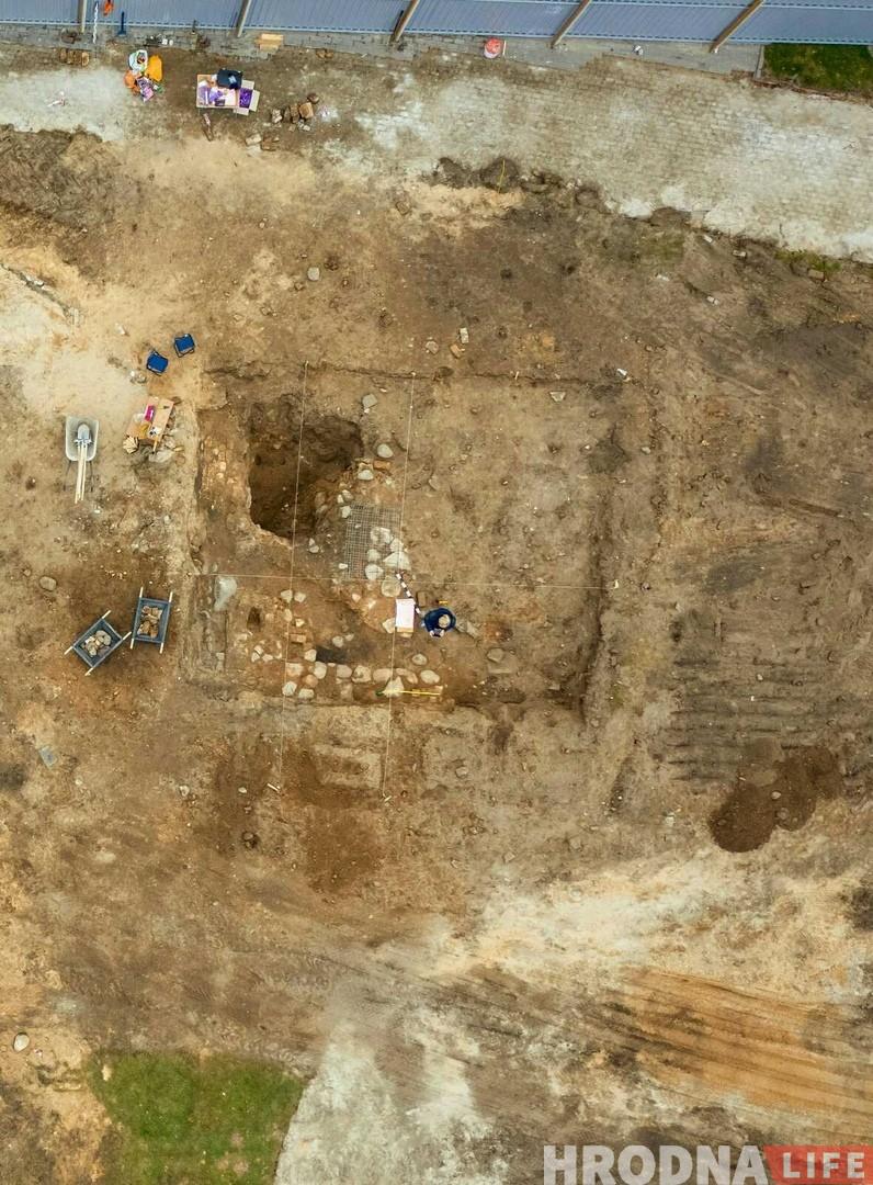 На Замкавай праходзяць раскопкі: што ўжо знайшлі археолагі?