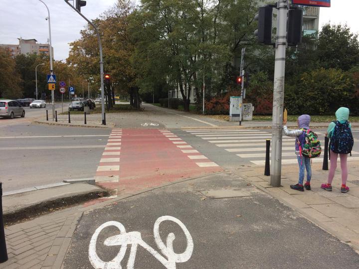 Пример удобной велодорожки изВаршавы.