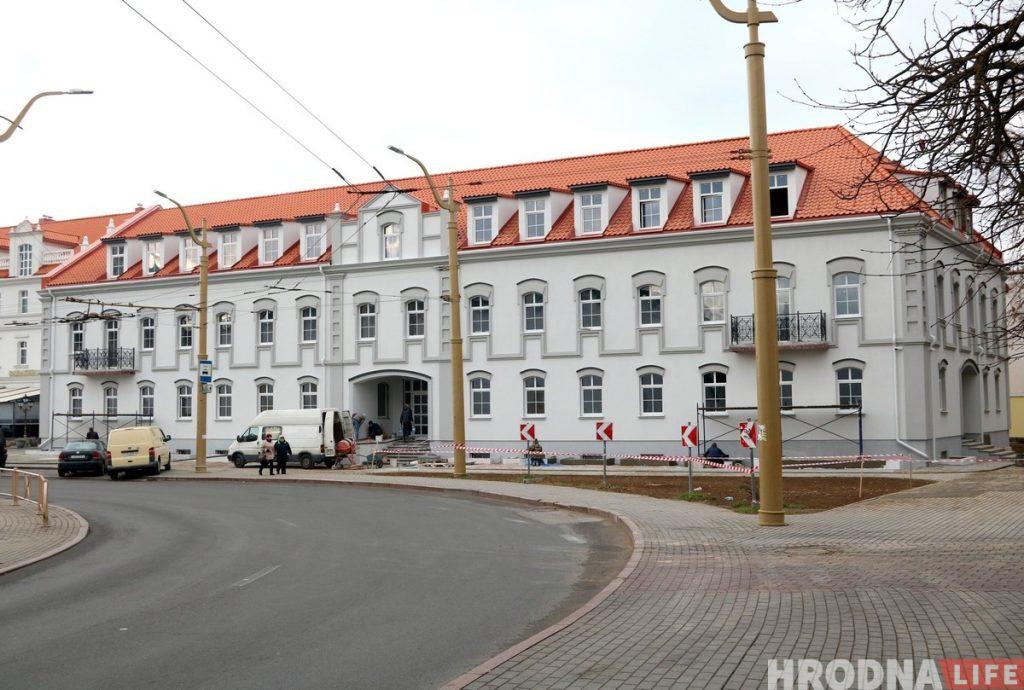 Всего за полгода: Семашко почти достроил новый дом в центре Гродно