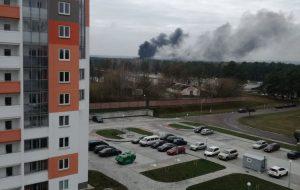 На территории воинской части на Фолюше случился пожар. Взрывы были слышны издалека