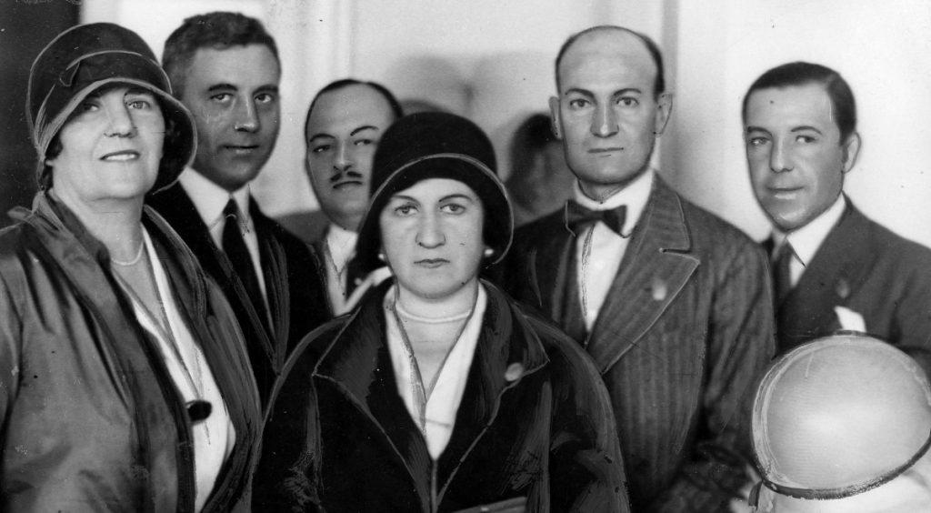 Кангрэс ПЭН Клубаў, Варшава, чэрвень 1930. Налкоўская першая злева