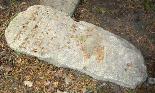 Кафэ на месцы могілак - кепская ідэя. Чаму новы будынак на Траецкай абяцае стаць скандальным