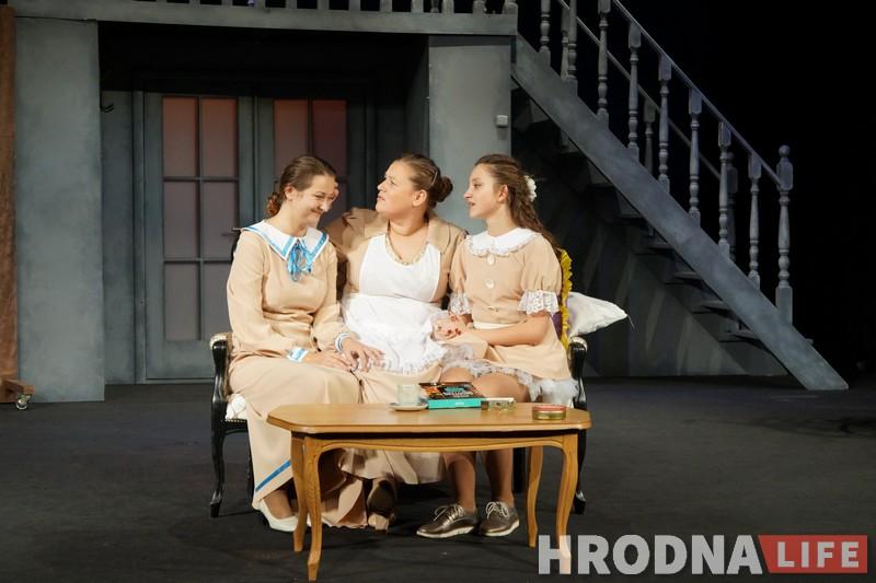 """""""Знаете, как я обрадовалась, когда им понесли цветы!"""" Оксана Пликус рассказала о работе самодеятельного театра «Турандот»"""